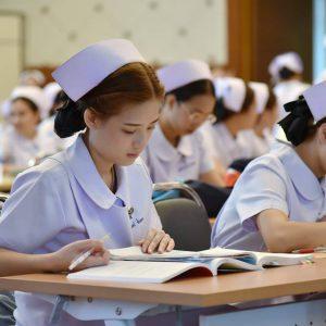 ครม.อนุมัติงบกว่า 1,700 ล้านบาท ผลิตพยาบาลเพิ่ม
